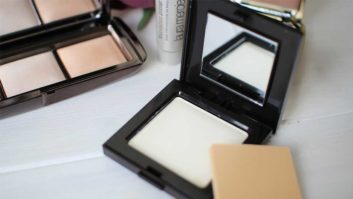 These Are The Best Setting Powders For Different Skin Types