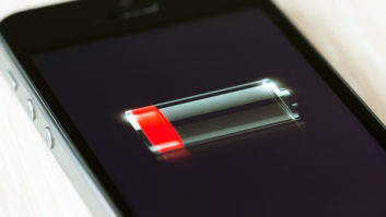 The One Thing You Should Never Do When Your iPhone Battery Dies